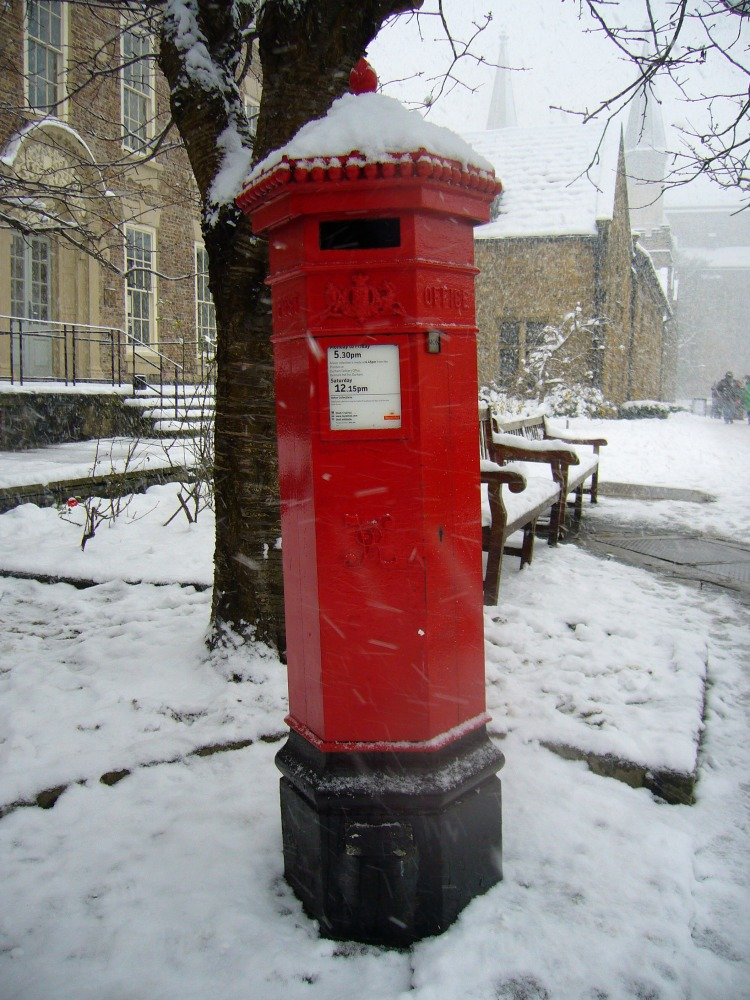 The Red Post Box: A Royal British Icon (2/6)
