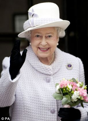 queen visits the royal bank of england