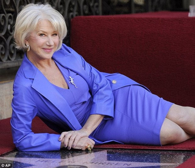 Helen Mirren wore a fabulous royal blue dress and jacket suit, stylishly accessorised with minimal (but beauitfully designed) jewellery.