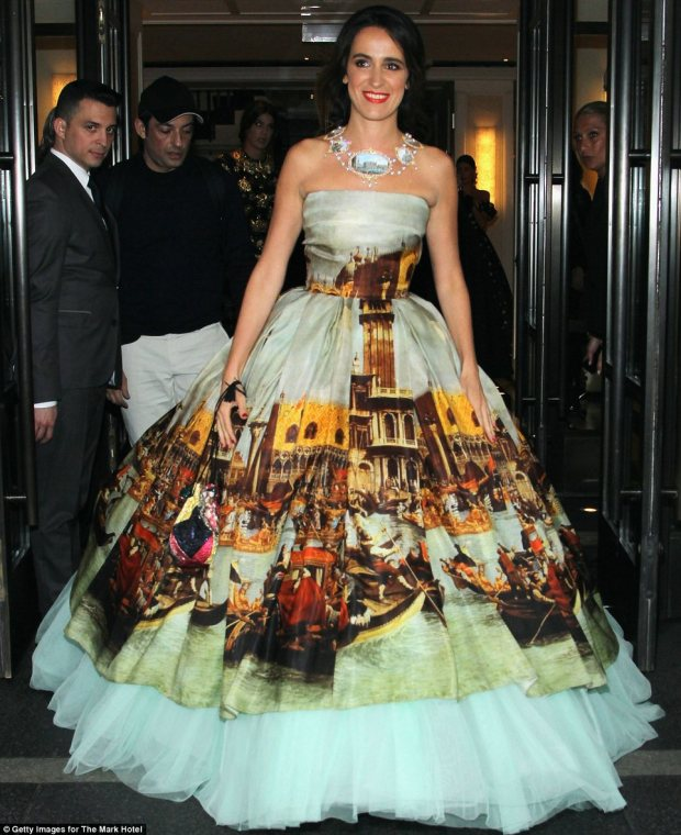 20. Coco Brandolini wearing... Venice. A kookie and offbeat gown, but one that shows us the full scale of a 1950s ball gown, complete with a vintage petticoat.