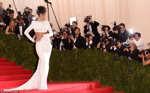 8. Stella McCartney's best work yet, a gown that screams Rihanna and evokes understated glamour.